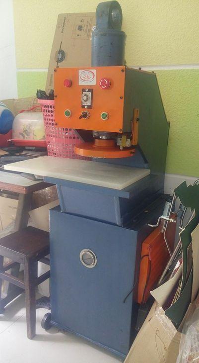 máy cắp rập giấy bo